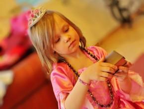 Pikku prinsessa juhlimassa